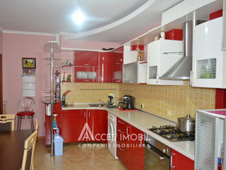 Gonvaro-Con! Apartament în 2 nivele! Buiucani, bd. Alba Iulia, 4 camere + 2 living. Euroreparație!
