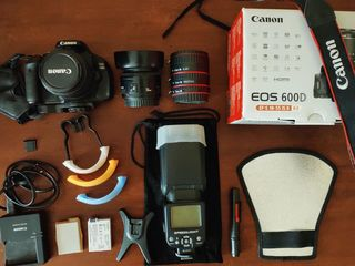 Canon 600 D + Canon 18-55 is (3.2 - 4.5) + Canon 50 mm 1.8