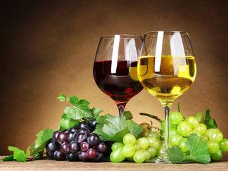 Vin alb și roșu