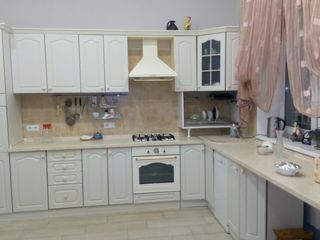 Кухня 9990 лей.