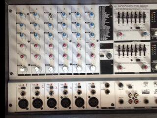 Активный Mixer Behringer PMH 660 M