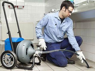 Santehnic 24/24 desfundarea tevilor de canalizare .cu aparate profesionale sup presiune cu apa  veni