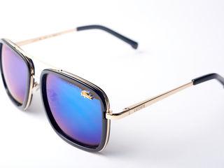 Глянцевые модные очки от Lacoste