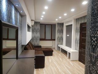 Продам 2-х ком квартиру с евроремонтом мебелью и бытовой техникой!!!