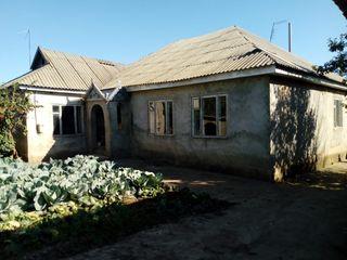Urgent !! vindem casa in Gura Bicului sau la schimb pe o camera in camin sau apartament in oras.