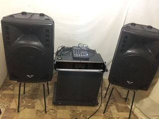 Aparatura ,2400 w, amplificator ,, soundstandart'' anglia, boxe,cabluri, tot la 8000 lei !!!