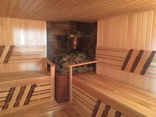 Sauna cu piscina cu apa calda!