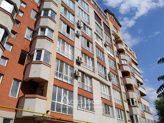 Bloc Nou! Centru, str. Sf. Gheorghe, 2 camere + living. Euroreparație!