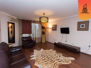 Chirie! Centru. Apartament cu 2 camere + salon + bucatarie in bloc nou, euroreparatie moderna. 500 €