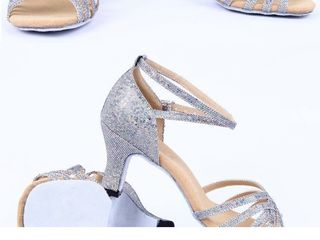 Sandale super spectaculoase pentru dans