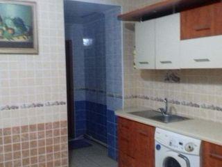 Apartament cu 3 camere 250 euro Centru str. G.Casu 22