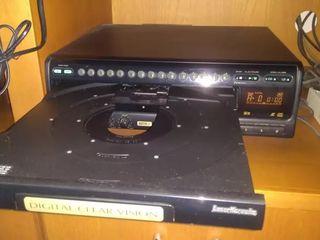 Se vinde Pioneer CLD-3760 KV.