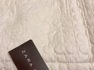 Продаётся очень красивое, качественное покрывало Zara Home.