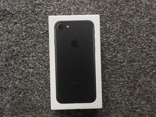 Apple iPhone 7 32GB Black Mat ( Меняю )