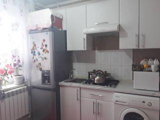 Se vinde apartament in centrul orasului Leova!
