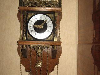 Антикварные  часы, с боем, (Европа -1950г.г.г.) состояние отличное.