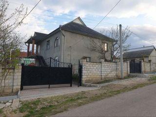 Casa in Cricova, 2 nivele 180m2 / 6 ari