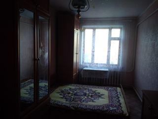Продам 3 - х комнатную квартиру с мебелью. Se vinde apartament cu 3 camere, mobilat.