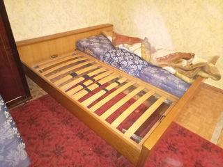 Cpoчho !!бу -кровать двухспальная в отличном состояни  3000 lei