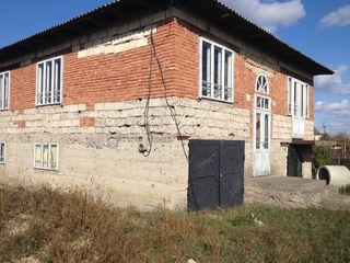 Casa sub orasul Balti