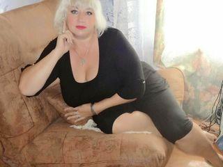 Пышная опытная женщина с большой грудью 5