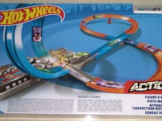 """Mattel Hot Wheels Игровой набор """"Скоростная восьмерка"""" - 50 %"""