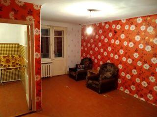 Продается 1- комнатная квартира 31 кв. м. в котельцовом доме, середина этаж 3 из 4. Вся инфраструкту