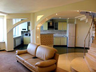 Penthouse în 2 nivele! 200 m2, euroreparație, Centru, str. Petru Rareș!