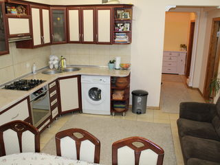 Vindem apartament bloc nou, Rascani, 2 camere, balcon, bucatarie+sufragerie, reparatie, mobila
