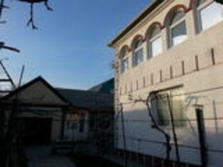 Продаю дом в центре Суворова 27 . евроремонт. мебель.+ дом с двумя комнатами+гараж 155000$