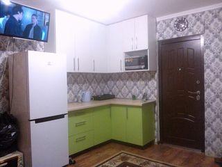 Продам комнату в общежитии с мебелью по Ломоносова 14а на первом этаже 13 квадратных метров.