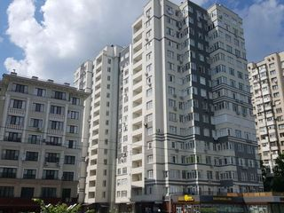 Centru! Apartament modern cu 2 odai + living, euroreparatie, bloc nou, 72 m.p.! 63 900 €