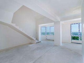 Недорого,  для ценителей качества - двухуровневая квартира  97м2