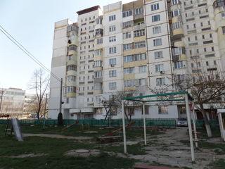 Straseni, Centru, Apartament cu 3 odai, 73 m2, seria 143 - 17500e