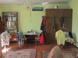 Продаю дом 181кв.м. на участке 7,3 соток земли, рядом с Кишиневом