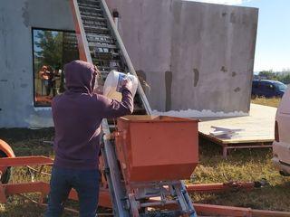 Lift mobil, auto lift de ridicare a materialelor de constructii