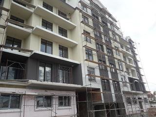 Apartamente cu 3,4 si 5 odăi la etajul 6 (tip mansarda 2 nivele) centru, 600 euro