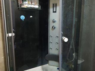 Cabina de duș  este asa cum se vede panelul tot funcționează,  are radio , masaj ,lumina ,ventilator