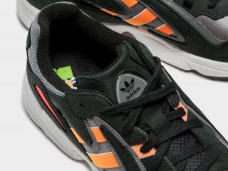 Adidas (Yung-96 chasm) новые кроссовки оригинал, на холодное время года.