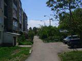 Продаётся 2-х комнатная квартира в г. Глодяны, в районе сахарного посёлка.