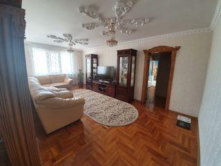 Apartament cu 3 camere. Euro Reparatie. Autogara
