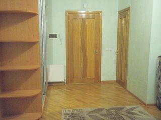 Chirie - apt 2 camere - centru str.Ismail - 350 €