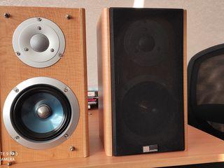 Vind 2 boxe XTI 100S. Pure Acoustics