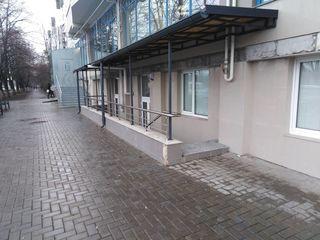 Vand sau schimb  pe apartament, Spatiu Comercial 132mp 450Euro mp Euroreparatie !! 59500Euro