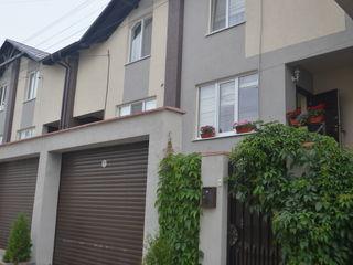 Town House la cheie in Stauceni. 85.000 euro.