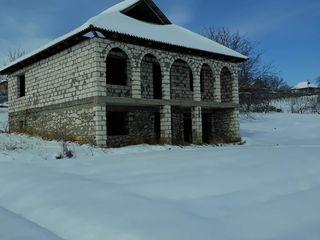 Casa cu teren de vinzare
