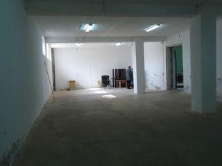 Сдаем 220м2 под производство или склад на Узинелор вблизи строительного рынка! Высота 3м! Офисы!