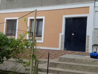 Urgent apartament  cu 3 camere cu reparatii si mobilat gata de trai