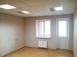 Centru, oficiu chirie,18m2, 100 euro