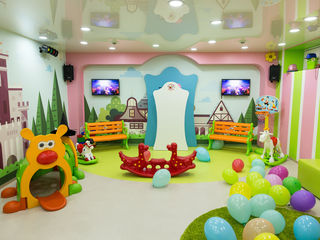 Locatie pentru copii /Cea mai vesela si colorata petrecere doar cu Buburuza Mela !!!